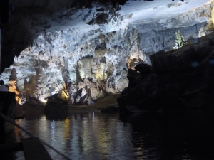 Phong-Na cave