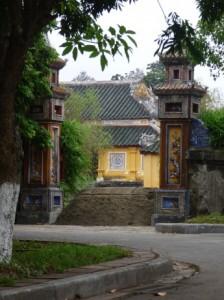 Views into Cung Diên Thọ
