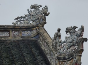 Roof detail, Cung Diên Thọ, Imperial City
