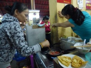 Other market stall owners coming to help, Cooking Class