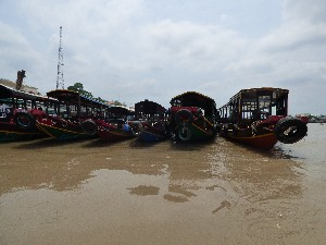 Many boats for tours.