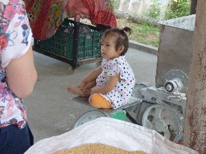 Cute kid- she weighed 10 kg