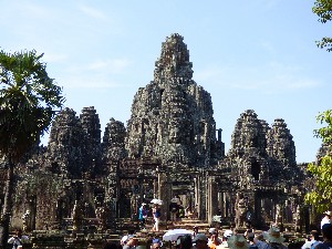 Epic Bayon temple- shot taken over the heads of tourists. *sigh*