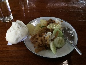 Breakfast on the last day- included a sweet steamed bun and fried onions.
