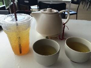 A lovely lemon honey iced Oolong tea and a spot of Ruan Zhi Oolong.