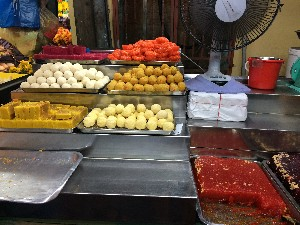 We spent a lot of time wandering back through Little India for sweets- we tried everything on this stall- Gav was a particular fan of the jelly. We also frequented another stall which had slightly different stuff. Bit of a sugar binge....
